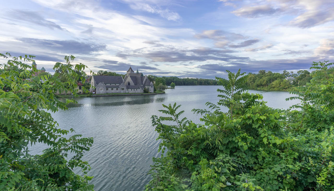Van Cleef Lake in Seneca Falls on a beautiful day (photo)